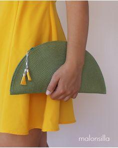 Bolso VERDE OLIVA - Malonsilla  INVITADA BODA Trash To Couture, Diy Fashion, Fashion Bags, Diy Purse Making, Diy Bags Easy, Diy Clutch, Clutch Purse, Sacs Design, Diy Bags Purses