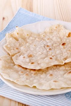 Whole Wheat Chapati (Indian Flatbread) #Recipe: 3 ingredients & ready in 12 minutes!