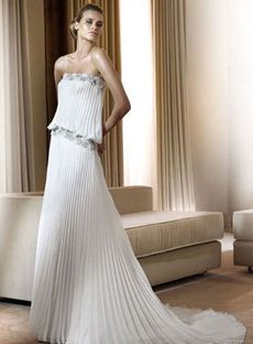 Amazing A-line Strapless Floor-length Chiffon White Wedding Dresses