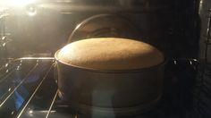 Il pan di Spagna è una pasta dolce estremamente soffice e spugnosa di uso molto comune in pasticceria. La ricetta tradizionale non prevede l'uso di lievito.