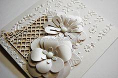 Bemutatunk egy csudajó  Sizzix virágvágó kést, amellyel akár ezt a szépséges fehér képeslapot is elkészítheted! / Today we show you a very versatile flower-die and a postcard idea to go with.