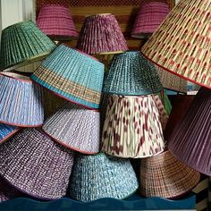 I'm so obsessed with these @pennymorrisoninteriors @irvingandmorrison lampshades I would be perfectly happy having them piled up as a pretty pattern sculpture in the middle of a room. Or as pretty as they are wearing one! Aren't they so happy? #pennymorrison #irvingandmorrison #lamshades #patternedlampshades #colormehappy