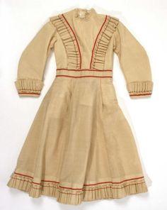 1868-1870 Buff coloured dress