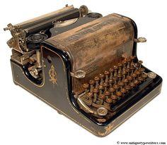 Granville Automatic (1896).El apelativo de 'automática' le viene a esta voluminosa máquina del hecho de que todos los mandos están incorporados como teclas. En el interior es bastante convencional.