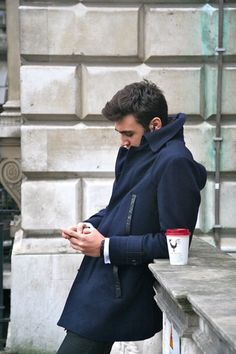 Frat boys never officially get over the popped collar phase. They just grow up and buy coats with collars so high they look popped. Style Blog, Mode Style, Men's Style, Sharp Dressed Man, Well Dressed Men, Fashion Mode, Mens Fashion, Fashion Menswear, Style Fashion