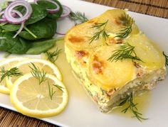 Laxpudding med skirat smör Fish Recipes, New Recipes, Holiday Recipes, Vegetarian Recipes, Cooking Recipes, Recipies, Fish Stew, Fish And Seafood, Food Inspiration