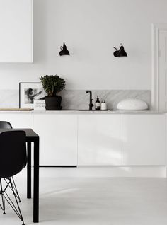 Marble kitchen surfaces - via Coco Lapine Design