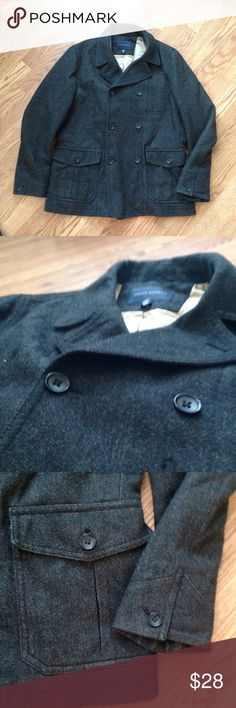Banana Republic Charcoal Peacoat Size Large Banana Republic Peacoat. Size Large. Charcoal color. Excellent Condition. Barely Worn as it was slightly to large. Banana Republic Jackets & Coats Pea Coats