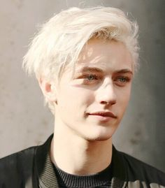 A rare smile for V. (Lucky Blue Smith is the perfect face for this character and I'm so happy about it. Prepare for beautiful light blond, blue-eyed spam in your feed). Lucky Blue Smith, Beautiful Boys, Pretty Boys, Beautiful People, The Face, Handsome Boys, Cute Guys, Pretty People, Character Inspiration