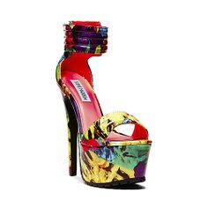 TURNITUP FLORAL MULTI women's dress high platform -by Steve Madden {My son Paris just picked these out lol they 6 inches and my style} All About Shoes, Crazy Colour, Shoes Sandals, Heels, Steve Madden Shoes, Beautiful Bags, My Style, Stylish, Boots