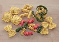 - Spielzeug häkeln // Frühstücks-Set häkeln Häkelanleitung f… Crochet toys // Crochet breakfast set patterns Crochet pattern for 6 types of pasta or pasta - Crochet Diy, Crochet Food, Crochet Basics, Crochet For Kids, Crochet Crafts, Crochet Projects, Crochet Cupcake, Food Patterns, Crochet Toys Patterns