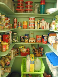 Pantry Organization, I really need to do this
