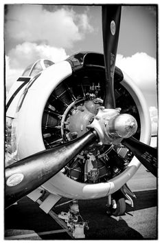 Black and white photo of a T28 Trojan plane radial engine