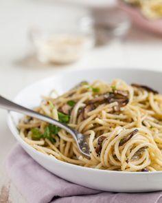 Recipe: Mushroom and Garlic Spaghetti Dinner — Quick and Easy Weeknight Dinners