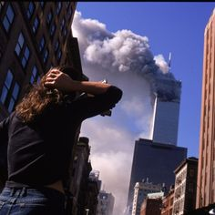 Shocked New Yorkers Observe Th. is listed (or ranked) 6 on the list Rare, Powerful Photos from September 2001 911 Never Forget, Photography Composition Rules, New York People, 911 Twin Towers, Dream Images, Singles Events, American Revolutionary War, Civil War Photos, World Trade Center