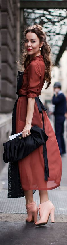 Ulyana Sergeenko. Magnificent maxi red dress. Top 20 fashion idead for special occasions.