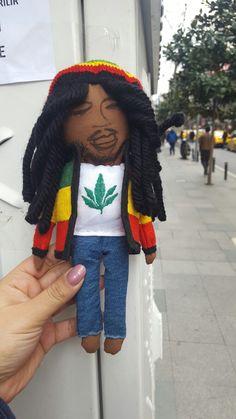 #bobmarley #handmade #doll Bob Marley, Winter Hats, Crochet Hats, Dolls, Handmade, Fashion, Bob Morley, Hand Made, Moda