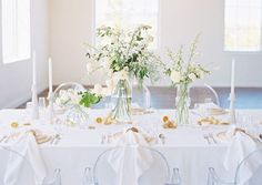 White organic tablescape on GWS. Florals: The Southern Table, Floral + Event Design // Photos: Ben Q. Wedding Flower Arrangements, Flower Bouquet Wedding, Floral Wedding, Floral Arrangements, Bridal Bouquets, Centerpiece Decorations, Reception Decorations, Wedding Centerpieces, Wedding Table