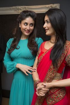 Kareena Kapoor Khan next to her wax statue at Madame Tussauds.