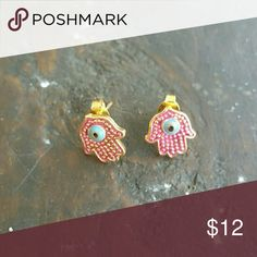 NEW Hamsa 18k gold plated stud earrings So pretty and trendy steinless steel  plated in 18k gold plated Jewelry Earrings