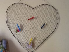Large wire hart pinboard