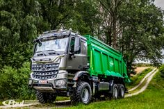 The Agro Truck an all-wheel-drive three-axle truck for agricultural bogies (e. Mercedes Benz Unimog, Mercedes Benz Trucks, Offroad, Aigle Animal, 6x6 Truck, Benne, Expedition Truck, Mercedez Benz, Heavy Duty Trucks