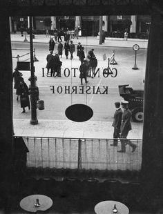 Konditorei im Hotel Kaiserhof, Berlin, 1934