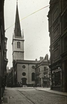 Spitalfields Life have come up trumps again with these old photos of City Churches. London looks like a totally different city.