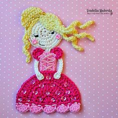 What a beautiful crochet princess! This would look great on a dress or a little girls cardigan