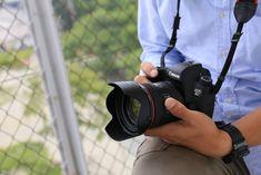 Slr Camera, Canon Eos, Jewellery Display, Hd Video, Digital Camera, Wifi, Canon Cameras, Biscuits, Amazon
