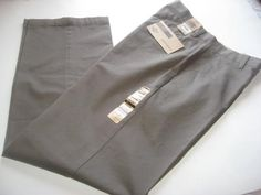 Mouse over image to zoom    Have one to sell?Sell it yourself     Men Dockers D3 Refined Khaki Flat Front Classic Fit 30x32 Muted Olive Green Pant