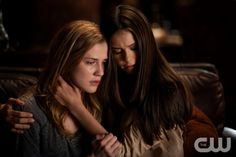 """Klaus"" - Sara Canning as Jenna and Nina Dobrev as Elena Gilbert in THE VAMPIRE DIARIES on The CW. Photo: Bob Mahoney/The CW ©2011 The CW Network, LLC. All Rights Reserved."