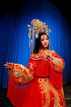 Guo Pei Kun Opera Fashion Show