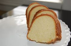 Lemon and Vanilla Bunt Cake