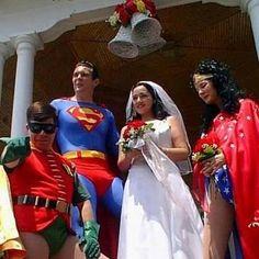 What a 'super' wedding theme!