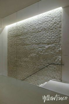 De Padova Showroom Milan by Piero Lissoni Stairway Lighting, Cove Lighting, Strip Lighting, Lighting Design, Lighting Ideas, Stair Walls, Stairs, Basement Staircase, Deco Led