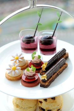 New afternoon tea set by Pastry Chef Ringo Chan at FS Hong Kong mmmmmmm!