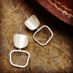 Friday earrings. Look out for these @newbridgearts trail in Bath May 7&8 #quercussilver #openstudio #onmybench