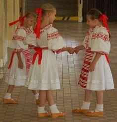 detsky kroj, Slovakia Folk Costume, Costumes, Dfs, Eastern Europe, Kids Wear, Ukraine, Activities For Kids, Harajuku, Children