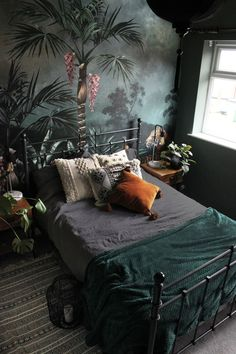 Black Walls, Spare Room, Decorating On A Budget, Home Bedroom, Bedroom Decor Dark, Bedrooms, My New Room, Room Inspiration, Interior Design