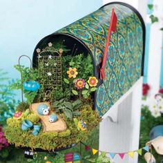 Normally home to mail and magazines, this mailbox is now home to a creative mini garden!