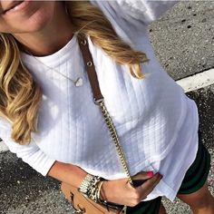LOFT White Sweater Worn a couple of times. Great condition. 100% cotton. SUMBIT OFFERS THROUGH THE OFFER TOOL ⭐️ 📷 : @shopdandy LOFT Tops