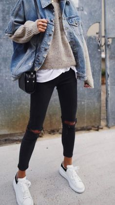 casual outfits for winter ; casual outfits for women ; casual outfits for work ; casual outfits for school ; Winter Outfits For Teen Girls, Winter Outfits 2019, Casual Winter Outfits, Denim Jacket Outfit Winter, Dress Casual, Winter Layering Outfits, Ootd Winter, Casual Clothes, Casual Winter Style