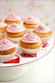 These would be awesome for Christmas, Valentine's Day, Canada Day, or even Remembrance Day celebrations: Strawberry Cream Cupcakes. #cupcakes #red #fruit #strawberries #food #cooking #baking #dessert