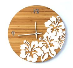 Etsy の Tropical Hibiscus Flower Wall Clock by ZarconeCollection