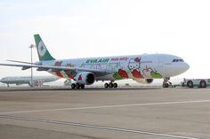 Hello Kitty Airplane (Taiwan Ever Air) キティが機体や機内にも:アメリカに9月就航する「キティちゃんの飛行機」
