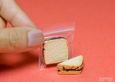 so-many-minis: PBJ by The Micro Bakery Via Flickr: 1:6th scale Peanut Butter and Jelly Sandwich Tutorial and photos: www.themicrobakery.com/2015/09/peanut-butter-jelly-sandwi…