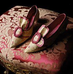 Paper shoes by Isabelle de Borchgrave, via Passion For Paper & Print