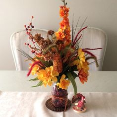 Time to decorate your holiday table! }#HarvestSeason Time to decorate your home with Autumn décor #Alwaysadornable maintenance free flowers will add a special touch