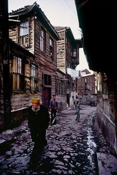Photographs from Istanbul through the lens of Ara Güler in the first year of his death - old photos Artistic Photography, Landscape Photography, Fashion Photography, Great Photos, Old Photos, City Landscape, Istanbul Turkey, Lake District, Salvador Dali